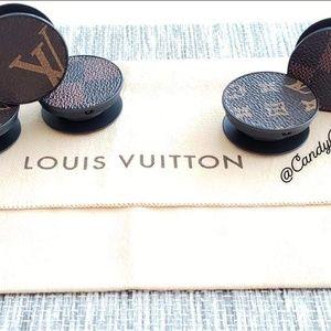 Louis Vuitton Accessories - POP SOCKET